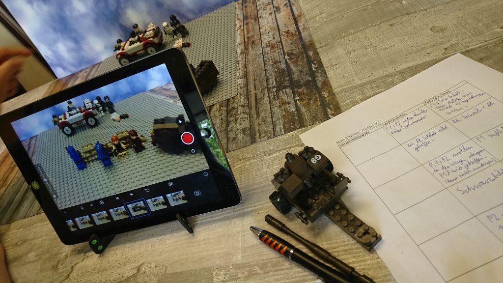 Foto von Videoaufnahmen einer Playmobile-Szene.