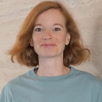 Portrait: Kati Struckmeyer lächelt in die Kamera.